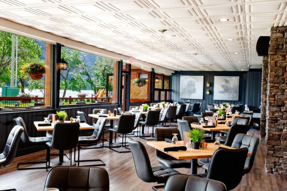 Lakeside Chophouse & Wine Bar